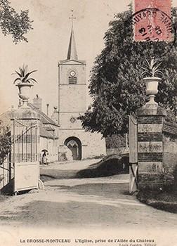 L'église prise de l'allée du château